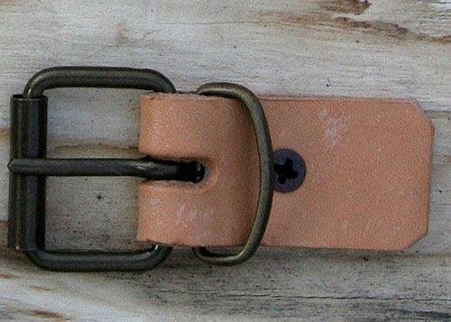 Fibbietta a Rullo con Passante da 2,5 Cm Colore   Brunito .