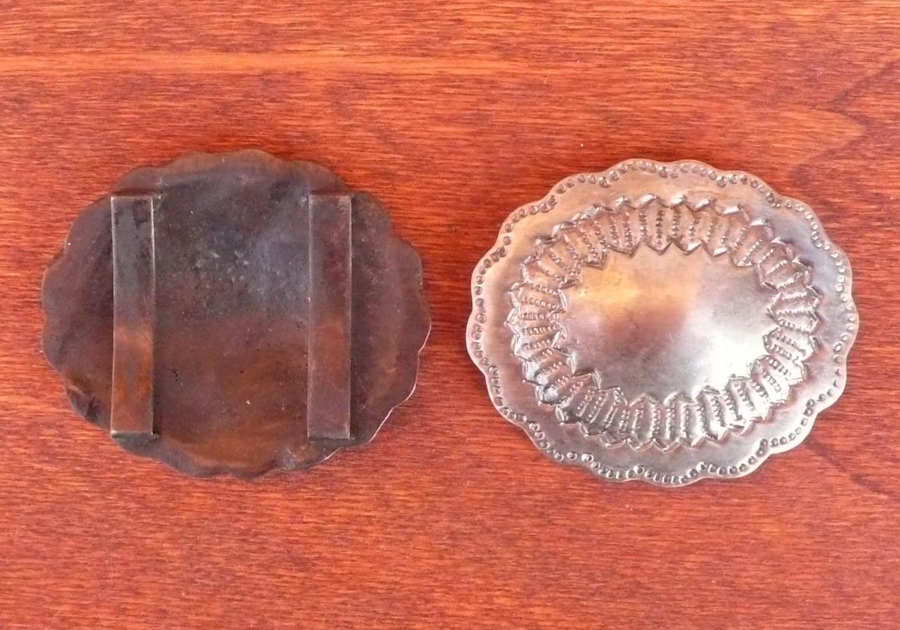 Guarnizione con Passanti Metallici. Cm. 4  Colore Argento Antico.
